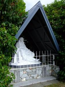 St Marys Church war memorial, Nelson, February 2009