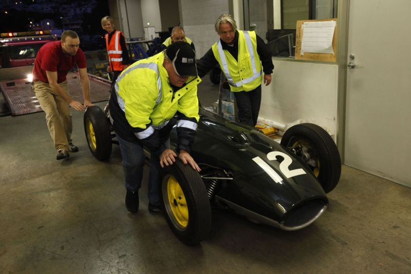 Unloading the Lotus 16. © Te Papa, 2009.