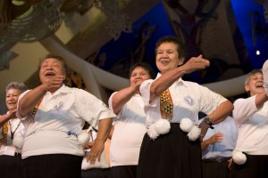 Kuia from South Taranaki performing the poi at Te Papa (2008). © Te Papa.