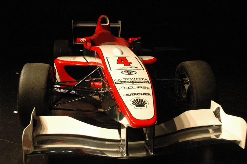 Single seater. © Te Papa, 2009.