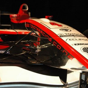 Compare the front wings with the MP4-21. © Te Papa, 2009.