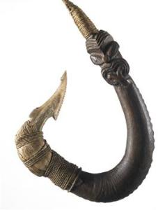 Composite hook. Oldman Collection. Copyright Te Papa. OL000105