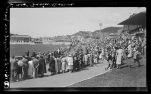 A.008487 The Queen at the Basin Reserve, Wellington, 16 January 1954 by Leslie Adkin. Te Papa