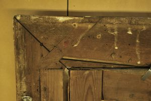 Upper right corner detail at the back showing uncut mitre with original cross key in position; compare with upper left corner image. Photograph taken by Matthew O'Reilly. © Te Papa.