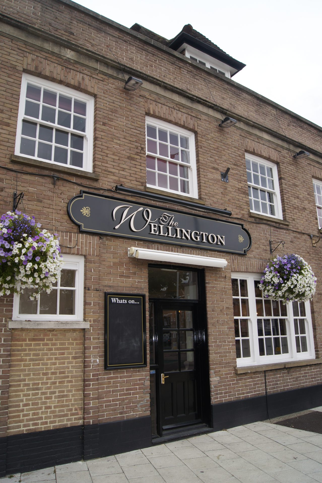 The Wellington, Walton-on-Thames. Image courtesy of Darren Bayley, Walton-on-Thames.org, 2011