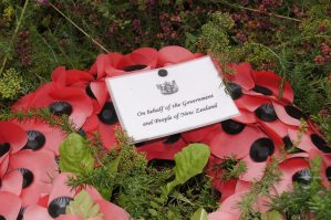 Wreath placed at Walton-on-Thames parish churchyard to remember New Zealand soldiers. Image: Courtesy of Darren Bayley, Walton-on-Thames.org, 2011