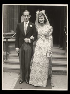 Elizabeth King and Ralph Rowland Absalom on their wedding day, 6 September 1941. V&A Furniture, Textiles and Fashion Archive.