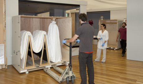 The 'toast rack' travelling system. Photo: Kate Whitley, Te Papa