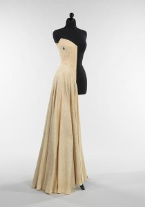 Half sewn muslin for Charles James' 'Ribbon' dress, 1947. Brooklyn Museum Costume Collection at The Metropolitan Museum of Art, Gift of the Brooklyn Museum, 2009; Gift of Millicent Huttleston Rogers, 1949
