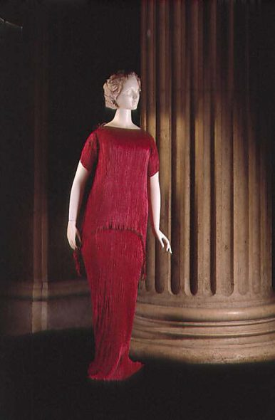 Evening dress by House of Fortuny, 1930s. Gift of Estate of Agnes Miles Carpenter, 1958. Collection of the Costume Institute, Metropolitan Museum of Art, NY. C.I.58.61.3a, b.