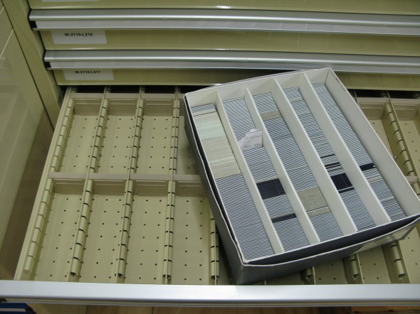 slide-drawers-box-of-slides-landsc