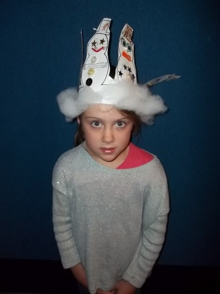 Festive snowman headband. Photographer Kimberley Gustavsson © Te Papa.