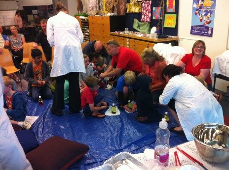 Everyone's a scientist! Visitors made lava lamps to take home. Photo: Kate Clarkin. © Te Papa.
