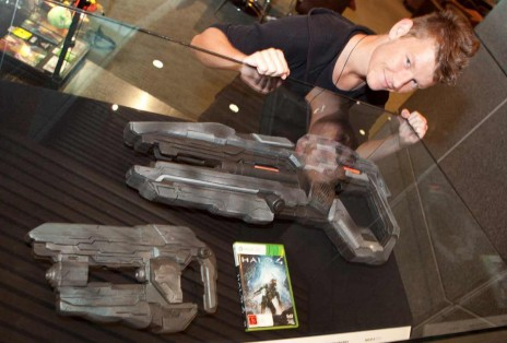 DaFrontlineTrooper showcasing Forerunner technology at Te Papa. Image by Norm Heke, Te Papa
