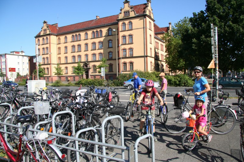 Getting on our bicycles at Pferdemarkt, Oldenburg, Germany, Sept 2012. Photo by Mauricio López.