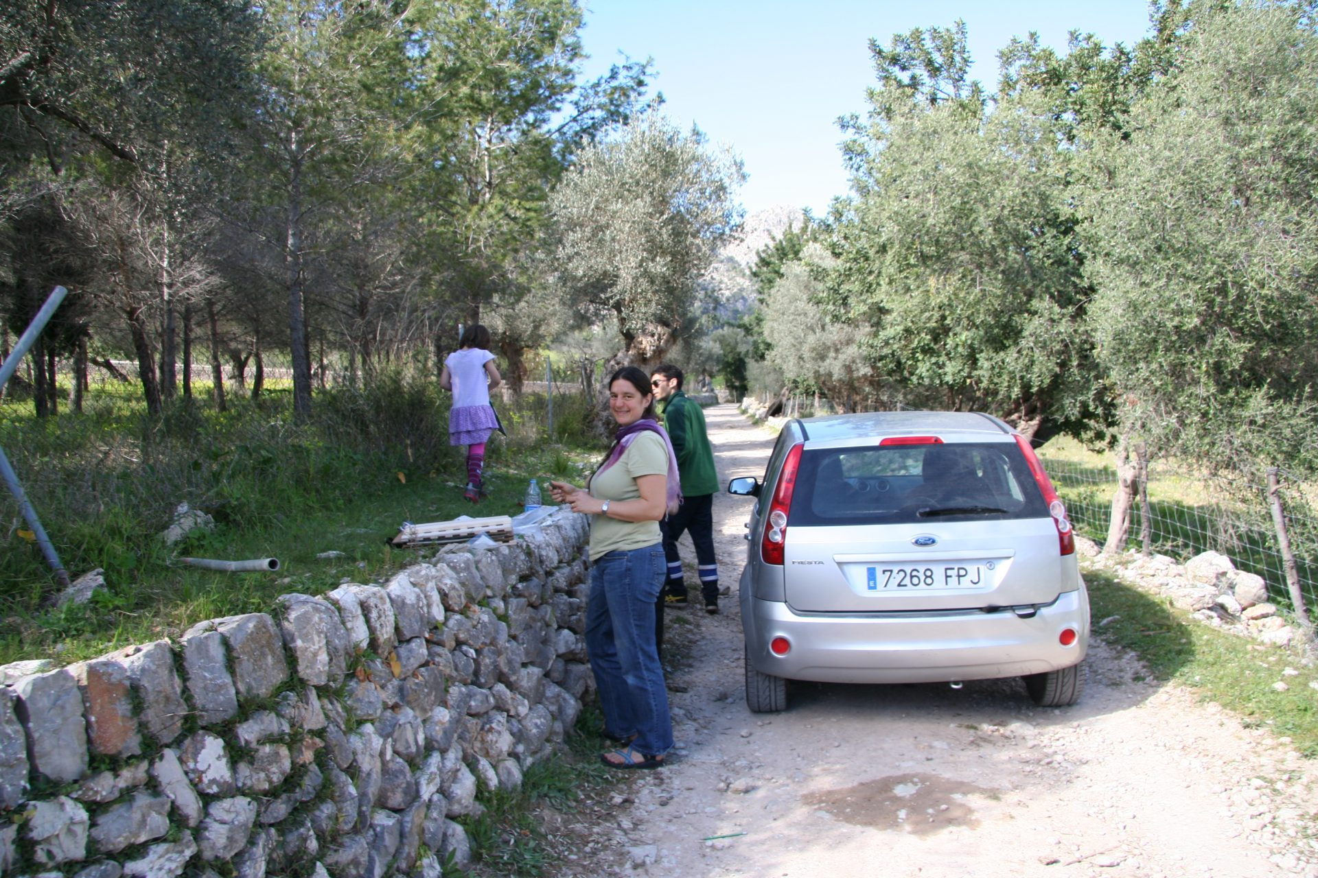 Collecting Veronica plants in Mallorca, Spain, with local botanist and PhD student Jaume Seguí Colomar. Photo by Mauricio López.