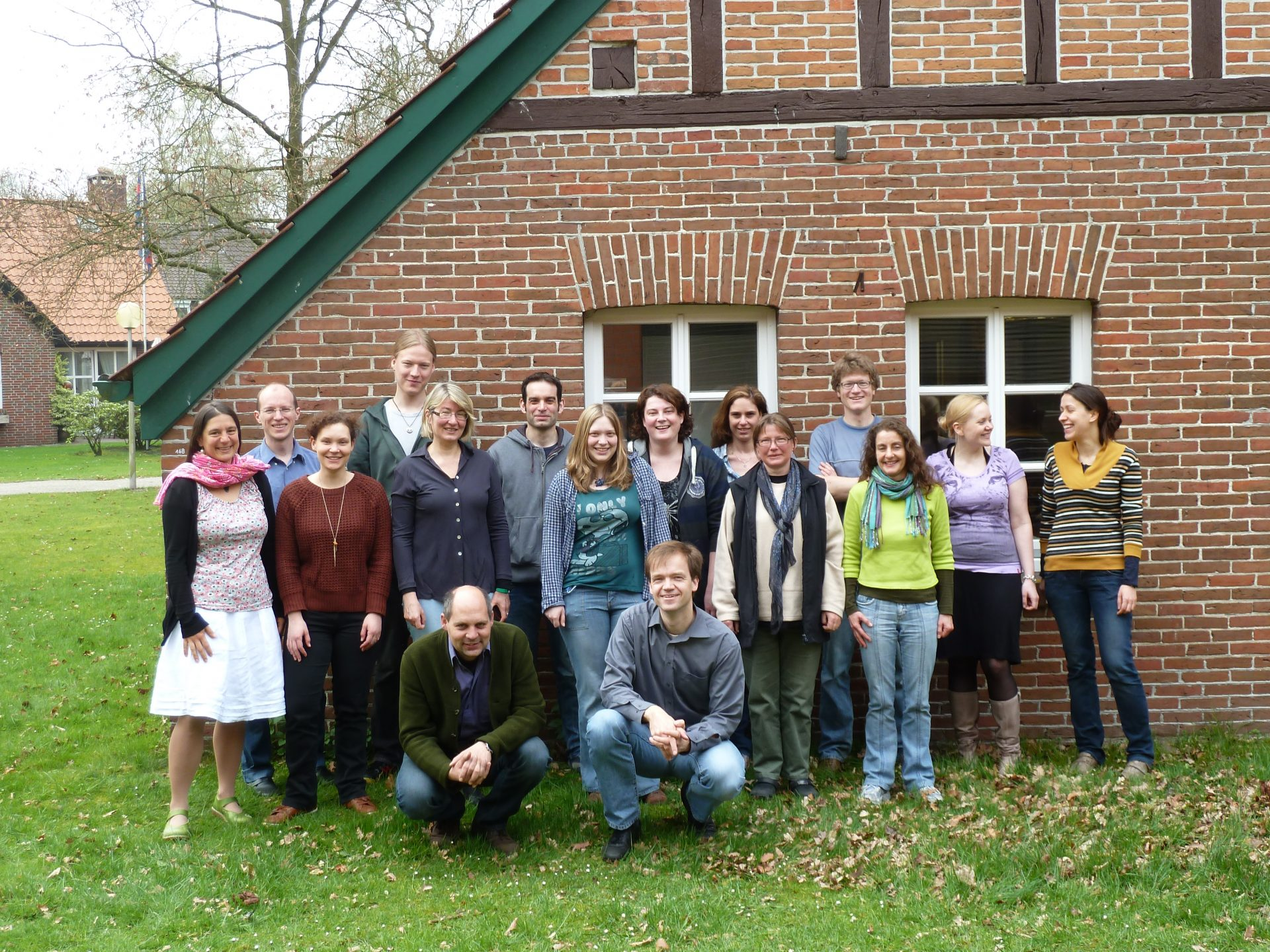 Photo of Dirk Albach's working group, outside our office and lab space at the Universtiy of Oldenburg, May 2013. Standing, left to right, Heidi Meudt, Eike Mayland-Quellhorst, Vera Mageney, Niklas Buhk, Katarzyna Palinska, Thomas Schmidt, Jane Looschen, Jennifer Nolzen, Lillian-Lee Müller, Imke Notholt, Simon Pfanzelt, Ute Friedrichs, Maria Brandes, Lena Koehler. In front, Bernhard von Hagen and Dirk Albach. Photo by Gerhard Zotz.