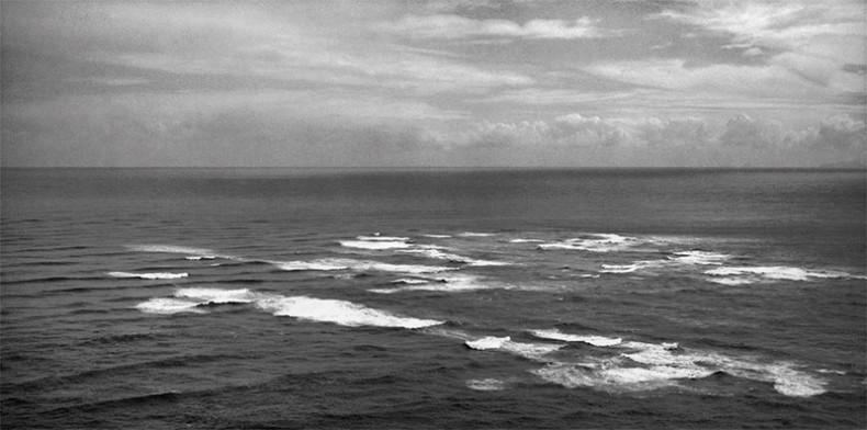 MA_I.071085; F.007214/04; Papaki tu ana nga tai (The clashing oceans)  Cape Reinga, Northland; 2002