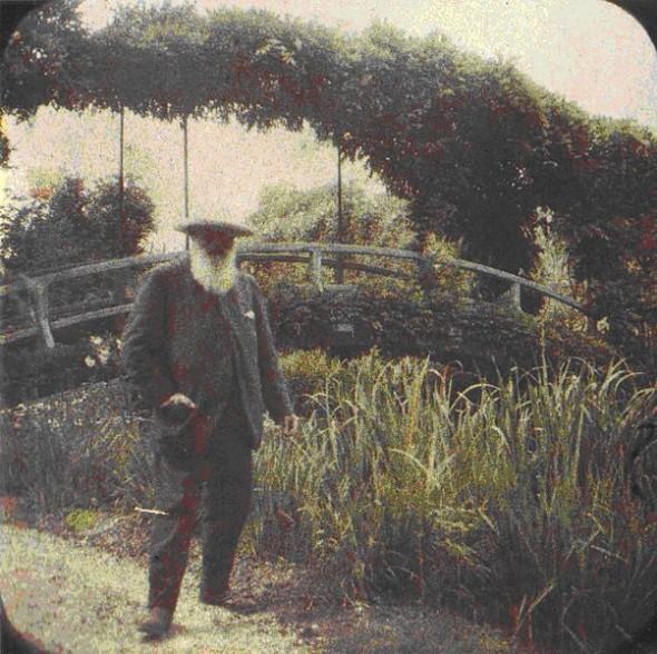 Étienne Clémentel (1864-1936), Monet and his gardens, stereographic autochrome, circa 1917. (http://en.wikipedia.org/wiki/File:Cl%C3%A9mentel_monet_in_seinen_gaerten_20008_1.jpg)