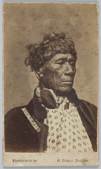 Whiria Pomare Whetoi II?, Ngäpuhi, circa 1863 - 1871, Auckland. Pulman, George. Gift of Mr R D D McLean, 1909. Te Papa