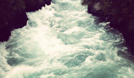 Huka Falls. Photographer: Jonathon Kelso © Jonathon Kelso