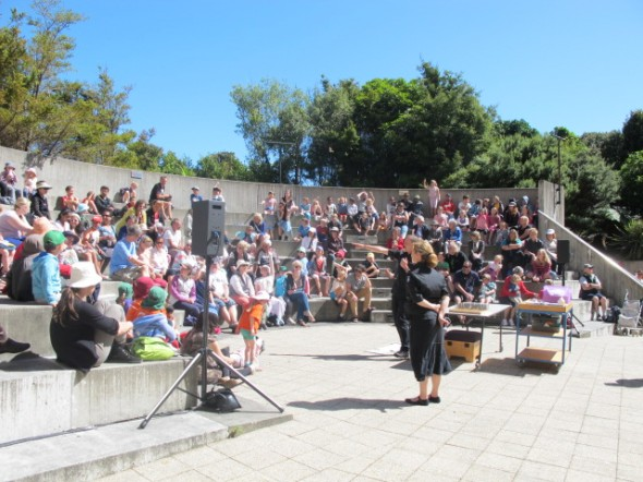 Visitors enjoying some sunshine and science in the ampitheatre. © Te Papa