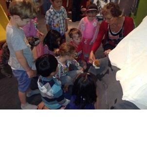 Discovering together; Photographer: Premier Preschool, © Premier Preschool