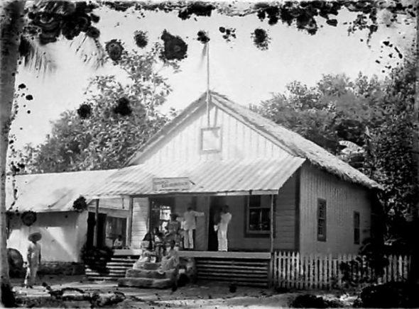 Donald and Edenborough Trading House, circa 1914, Cook Islands. Crummer, George. Te Papa