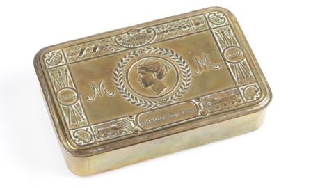 Princess Mary's gift box 1914