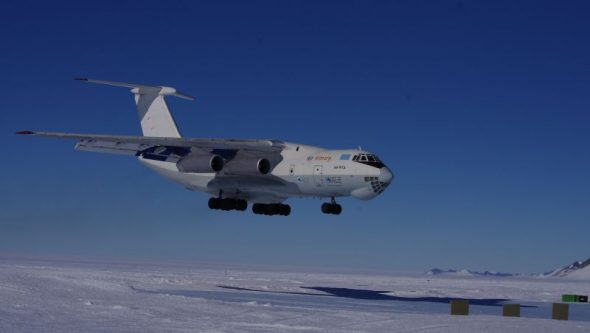 Ilyushin-76 jet about to land on Union Glacier. Image: Colin Miskelly
