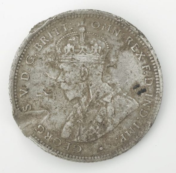 1914 Australian Shilling, loaned by David Pugsley. Photograph by Norm Heke, Te Papa.