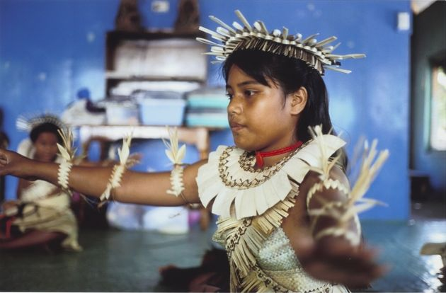 Tony Whincup, 'Dance rehearsal', Betio, South Tarawa, Kiribati, 1999. Chromogenic print, O.033021, Te Papa.