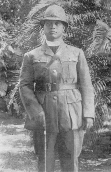 Henare Wepiha Te Wainohu, photographed in army chaplain's uniform during the First World War. Alexander Turnbull Library, Charlie Wainohu Collection Reference: 1/2-190195; F.