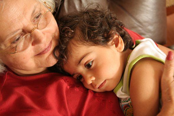 Lucas with Teta Nabila by Sherif Salama, https://www.flickr.com/photos/mazboot/277485096
