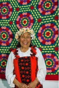 Mama Paree Ringiao with her tivaevae taorei 'etu