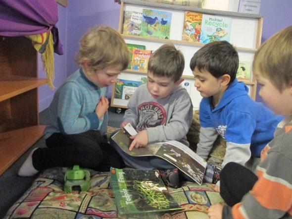 Researching tadpoles, Photographer: Kiwi Kids ECE, © Te Papa
