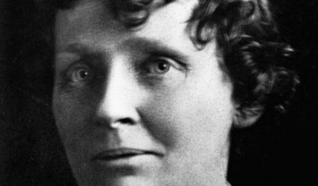 Passport photograph of Ettie Rout, 1918.