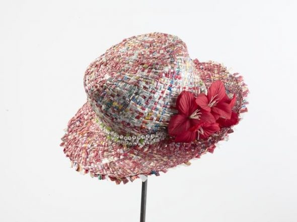 Pulou (hat), 1990s, Auckland, by Moka Poi. Purchased 1999 with New Zealand Lottery Grants Board funds. Te Papa (FE011299)