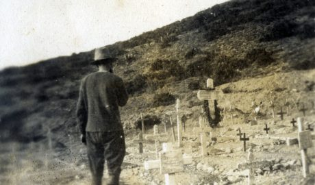 Saying goodbye to mates before leaving Gallipoli. Photo by Norman Prior. Wairarapa Archive