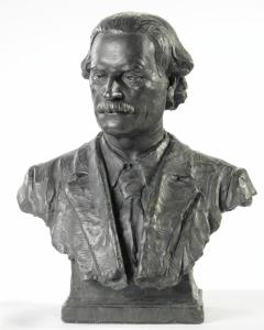 Bust of Augustus Hamilton, Director Colonial Museum 1903-1907, Director Dominion Museum 1907-1913. Te Papa ME016792. Image: Te Papa