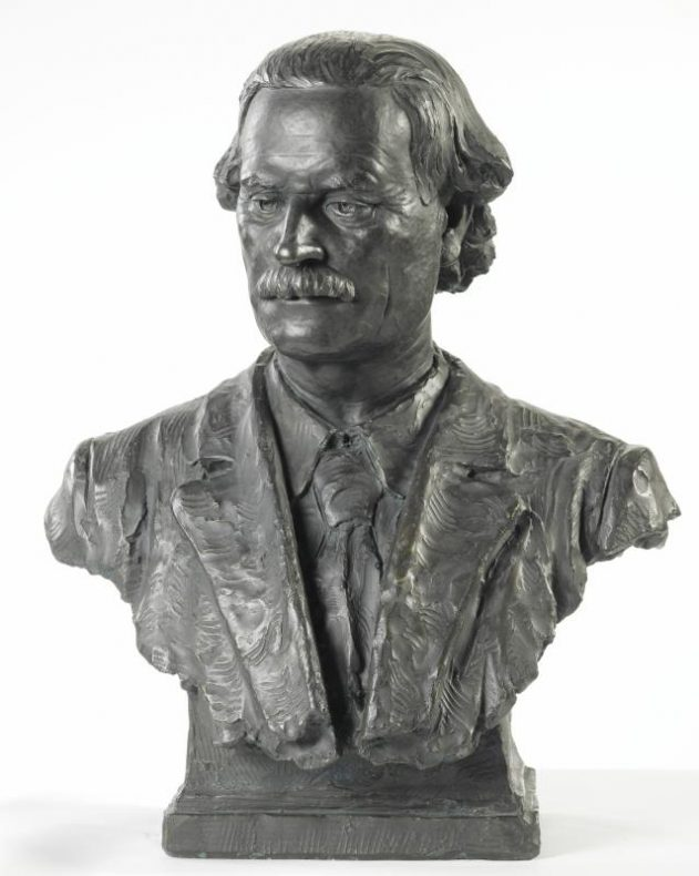 Bust of Augustus Hamilton, Director Colonial Museum 1903-1907, Director Dominion Museum 1907-1913. Te Papa ME016792. Image: Te Papa