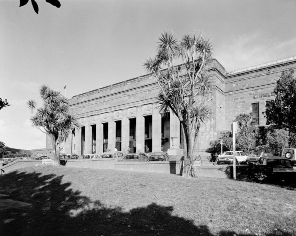 Dominion Museum building, 1984 (then known as the National Museum). Image: Mark Strange, Te Papa (MA_B.016888)
