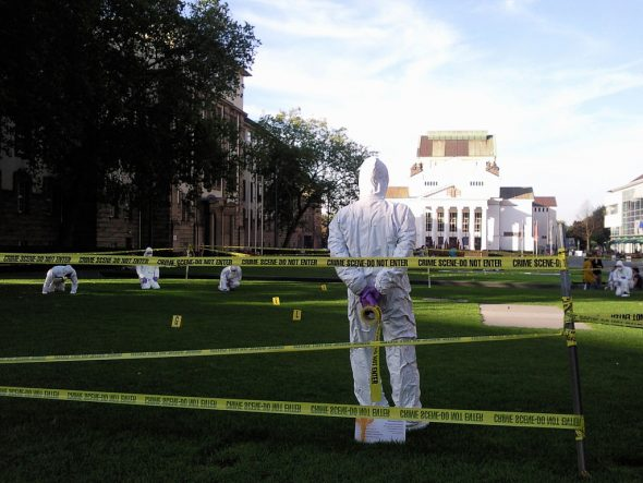 Forensic scientists processing a crime scene. Photo: Leonie aus Bonn.