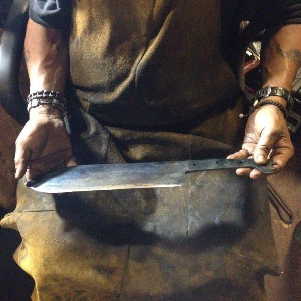 Frank holding blade