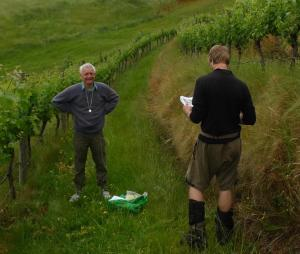 Pat Brownsey and Antony Kusabs searching for mosses in a vineyard (yeah right). Waipukurau Bryophyte Foray, December 2011. Image: Leon Perrie, Te Papa
