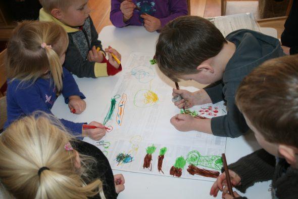Creating representations of habitats, Photograph by Imagine Childcare, © Imagine Childcare