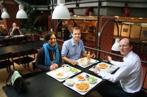 Heidi Meudt with Dr Dirk Albach and Eike Mayland-Quellhorst, eating lunch at my favourite place, the University of Oldenburg Mensa (cafeteria)! Photo by Simon Pfanzelt.