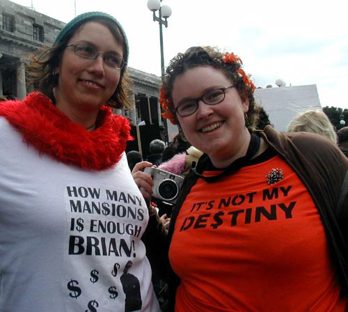 Counter-protestors Hinemoana Baker and Fionnaigh McKenzie wearing self-made t-shirts. Image copyright: Ann-Marie Stapp.