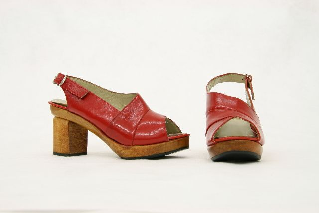 Shoes by Andrea Biani Shoes Limited, 1970s. Te Papa.
