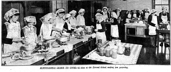 Mastering the art: students learn to make jam at a Christchurch Normal School, 1938. Press, 16 February 1938. Papers Past, National Library of New Zealand. CC BY-NC-SA licence.
